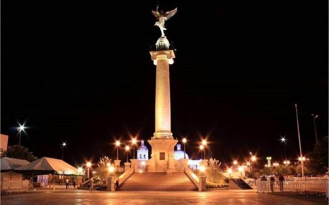 Chihuahua de Noche, plaza del Ángel