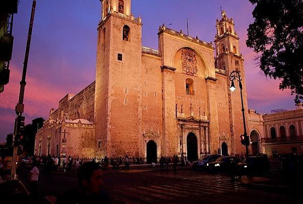 Circuito Cultural por Mérida, Uxmal, Kabah, Celestún y Chichen Itzá 4 días en Mérida