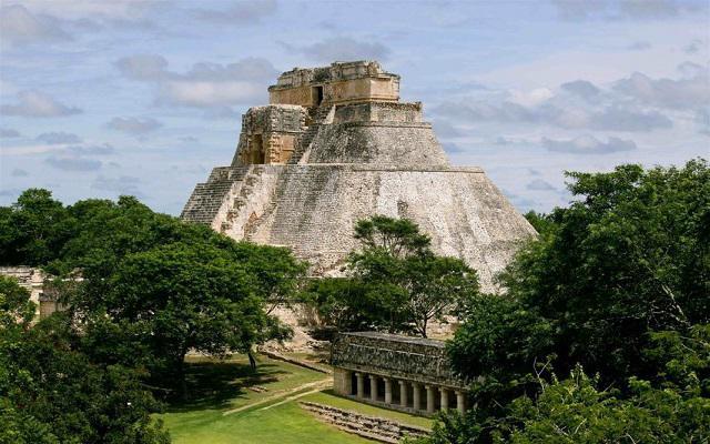Circuito Cultural por Mérida, Uxmal, Kabah, Celestún y Chichen Itzá 4 días, Uxmal reconocida como Patrimonio Cultural de la Humanidad