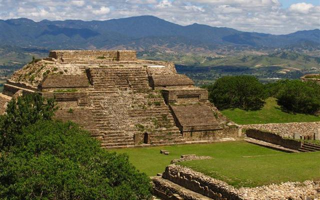 Circuito Cultural por Oaxaca, Monte Albán, El Tule, Hierve el Agua y más, disfruta visitando zonas arqueológicas
