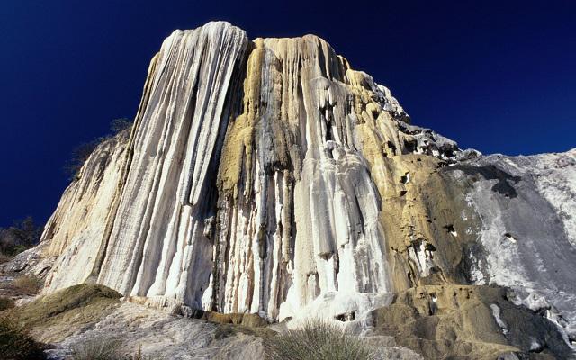 Circuito Cultural por Oaxaca y Chiapas 8 días, Hierve el agua con sus cascadas petrificadas