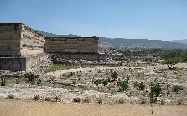 Circuito Cultural por Oaxaca y Guelaguetza 5 días, visita Mitla y admira las grecas que son parte de su decoración