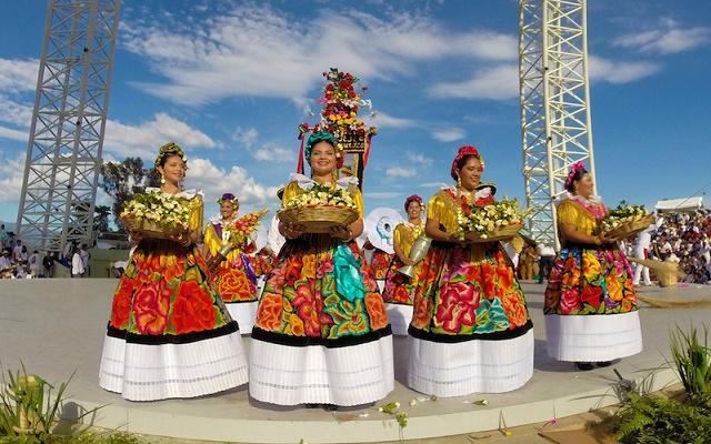 Circuito Cultural por Oaxaca y Guelaguetza 5 días, disfruta el espectáculo de la Guelaguetza