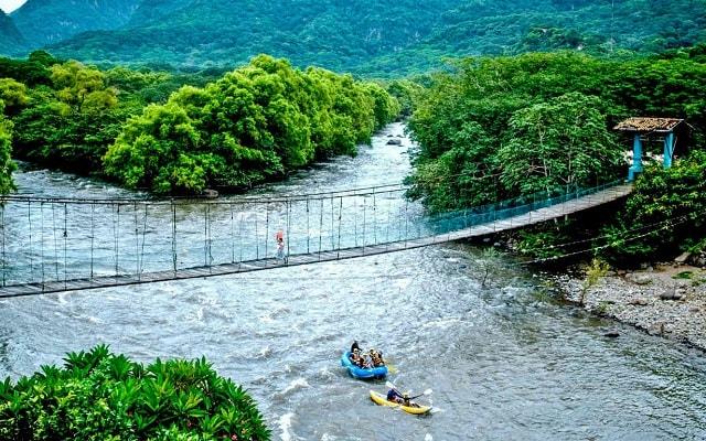 Circuito de Aventura por Veracruz 3 días, el descenso por el río te hará liberar todo la adrenalina
