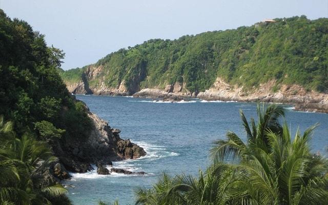 Circuito Ecoturístico por las Bahías de Huatulco y la Crucecita 4 días, Zipolite y el mar abierto