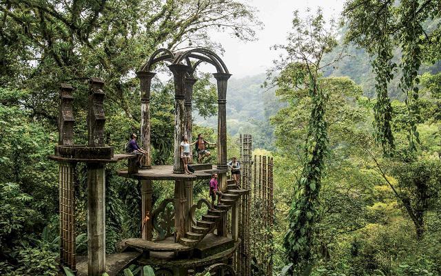 Disfruta tu visita al Jardín Surrealista de Edward James