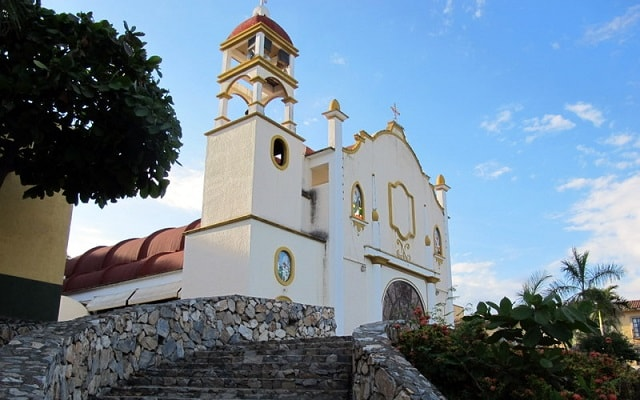 City Tour La Crucecita Huatulco, descubre la Virgen de Guadalupe pintada más grande del mundo