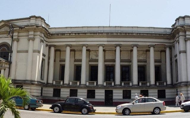 City Tour por Veracruz y San Juan de Ulúa, admira la arquitectura del edificio de Telégrafos