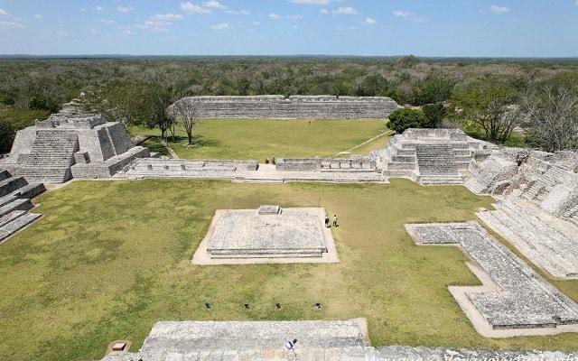 Edzna Zona Arqueológica Tour, la gran acrópolis