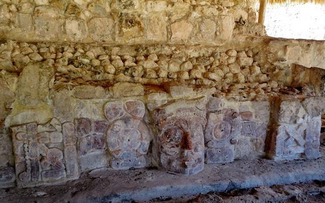 Hacienda Uayamón y Edzná Tour, templo de los mascarones