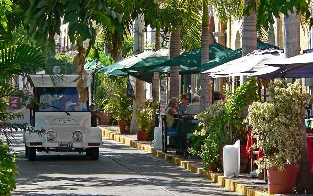 Fun Bus Mazatlán, pasarás por la Plazuela Machado