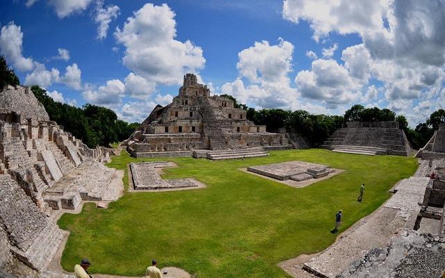 Grutas Xtacumbilxuaan y Edzna Tour, descubre datos interesantes de esa ciudad
