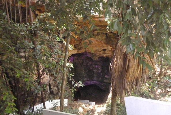 Grutas Xtacumbilxunaan y Edzná Tour en Campeche