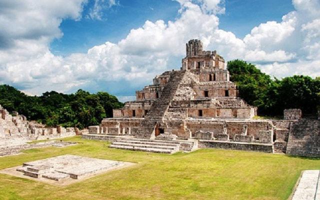 Hacienda Uayamón y Edzná Tour, ruinas arqueológicas Edzná