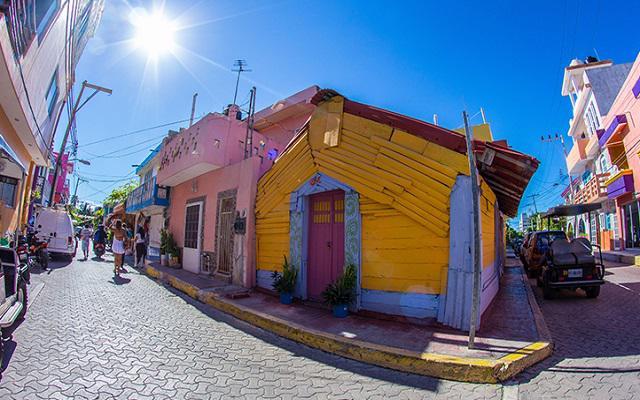 Isla Mujeres Aventura en Catamarán, dispondrás de tiempo libre para conocer el pueblo de Isla Mujeres