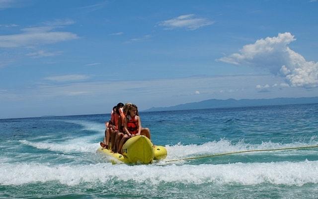 Marigalante Barco Pirata Puerto Vallarta, si te gusta la adrenalina elige el paseo en banana