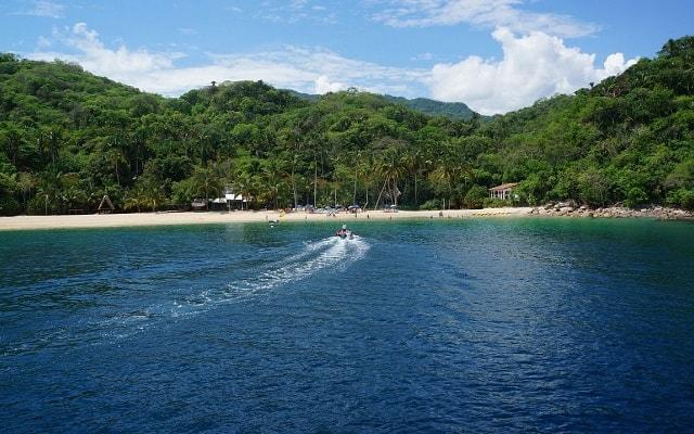Marigalante Barco Pirata Puerto Vallarta, visitarás la Reserva Natural de Majahuitas