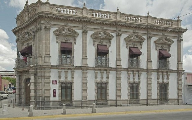 Museo Pancho Villa y City Tour, singular arquitectura