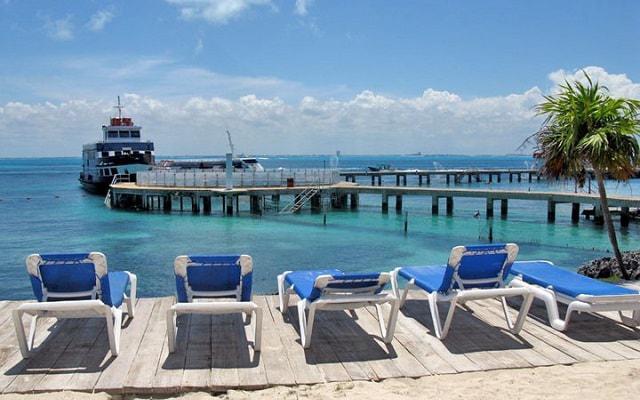 Nado con Delfines Cancún-Isla Mujeres hermosa vista hacia el caribe