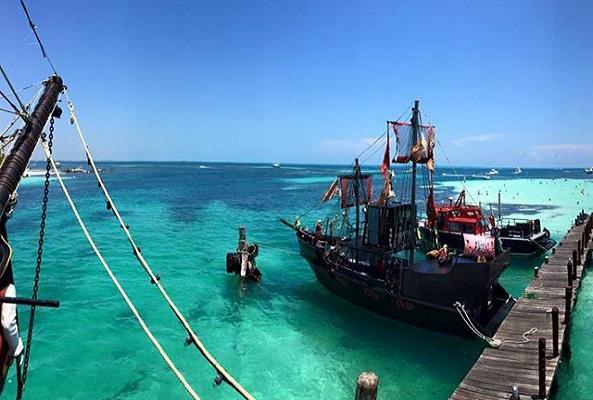Noche Pirata Capitán Hook en Cancún
