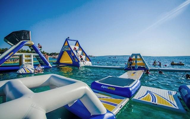 Parque Acuático Inflable Aquaworld, tiene increíbles inflables enlazados