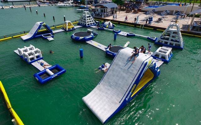 Parque Acuático Inflable Aquaworld, ven a divertirte en este parque inflable