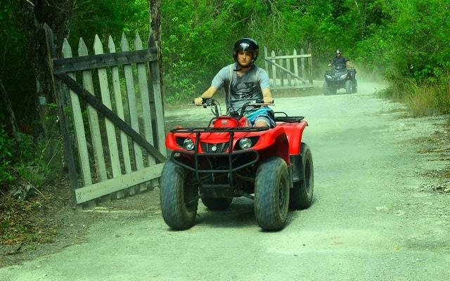 Paseo en Cuatrimoto y Cenote en Riviera Maya, con motos ATV´s