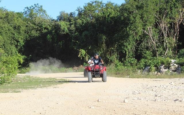 Paseo en Cuatrimoto y Cenote en Riviera Maya, si eres intrépido esto es para ti