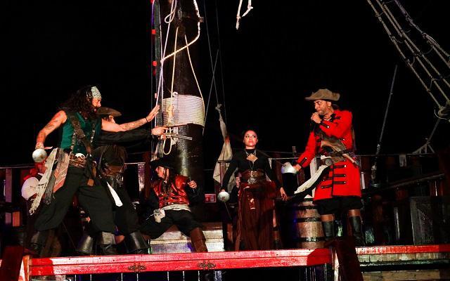 Disfruta el show pirata
