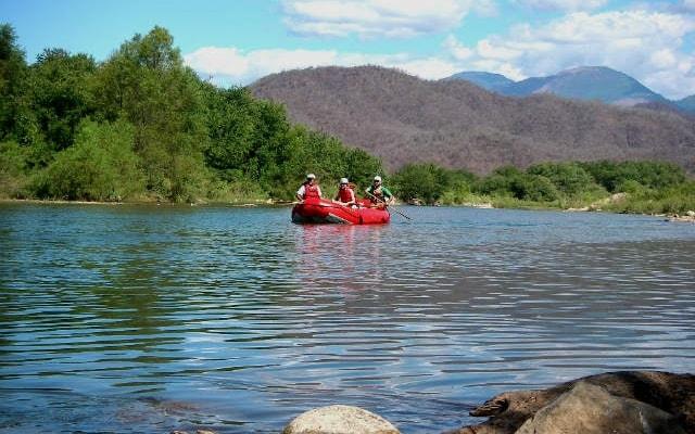 Rafting en Río Copalita Huatulco Nivel 2, descenderás por los ríos hasta llegar al puente de Copalita