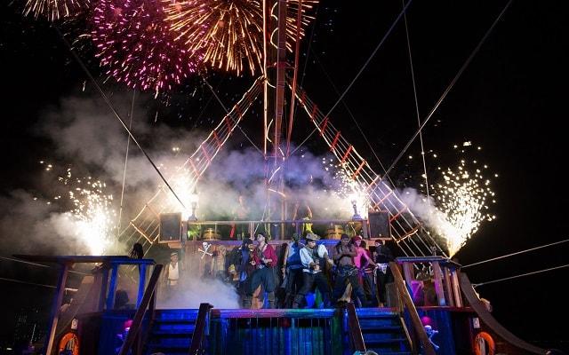 Show Pirata Cancún Jolly Roger, observa los juegos pirotécnicos