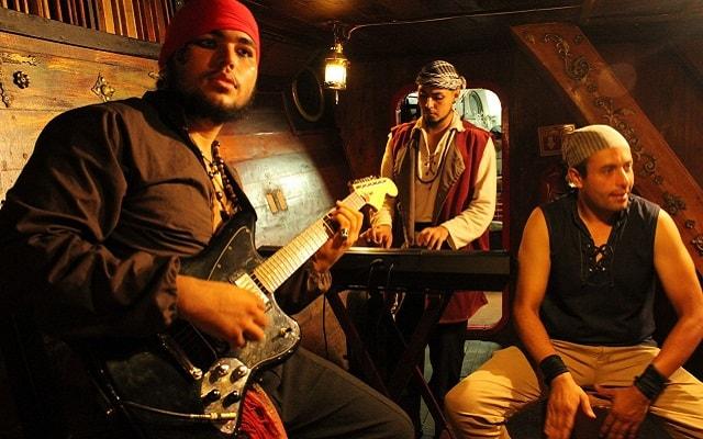 Show Pirata Cancún Jolly Roger, música en vivo