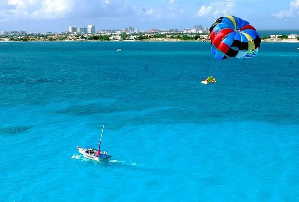 Skyrider Parasailing en Cancún