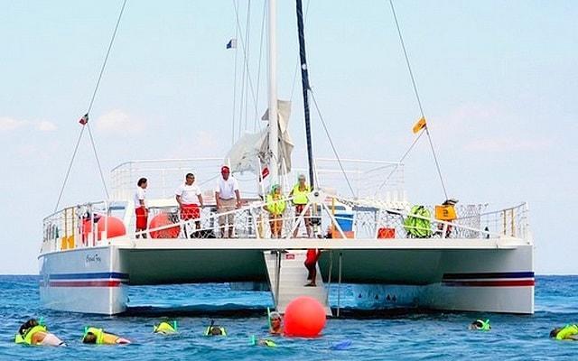 Snorkel y Club de Playa en Cozumel, tendrás diversión en el catamarán