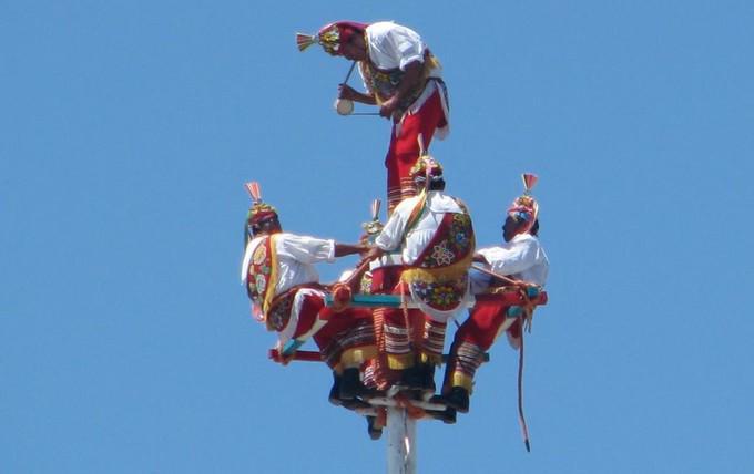 Tajín y Papantla admira el  espectáculo de los voladores