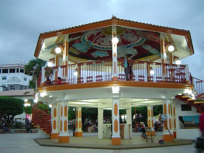 Tajín y Papantla, su kiosko de la plaza central