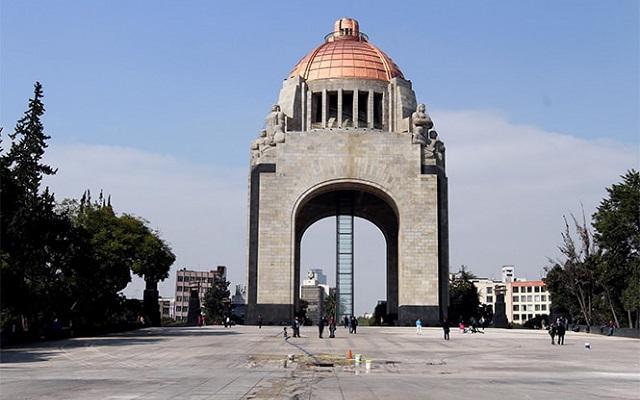 Torre Latinoamericana y miradores de la ciudad, visitarás el Monumento a la Revolución