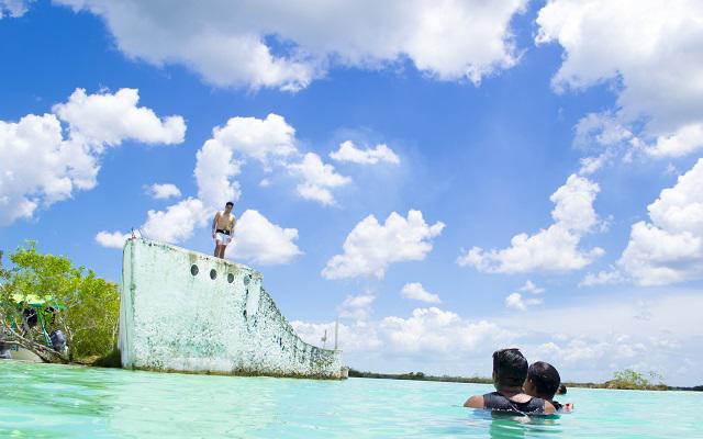 Tour a Bacalar, diviértete y vive una experiencia inolvidable