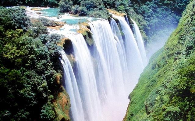 Tour a Cascada de Tamul y Cueva de Agua, camino arriba encontrarás la Cascada de Tamul