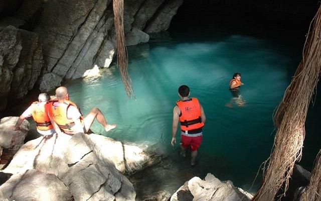 Tour a Cascada de Tamul y Cueva de Agua, es ideal para echarse un clavado