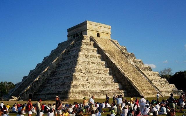 Tour a Chichén Itzá, durante los días 21 y 22 de marzo tiene lugar el equinoccio