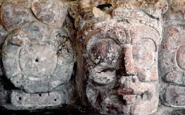 Tour a Grutas Xtacumbilxunaan y Edzná, disfrutarás de una visita a este famoso sitio arqueológico