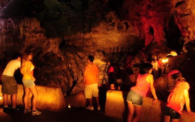 Tour a Grutas Xtacumbilxunaan y Edzná, una experiencia para recordar