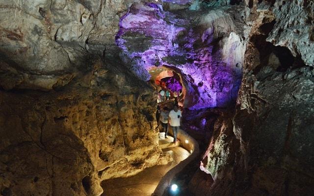 Tour a Grutas Xtacumbilxunaan y Edzná, apreciarás la belleza natural de este lugar
