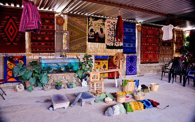 Tour a Hierve el Agua y Fábrica de Mezcal, Teotitlán del Valle reconocido por sus tapetes