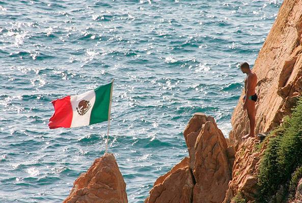 Show de clavados en La Perla en Acapulco
