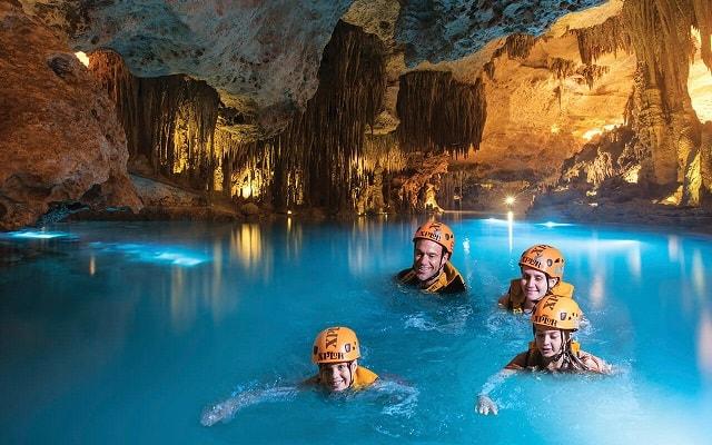 Tour a Parque Xplor Riviera Maya, Nada en ríos subterráneos