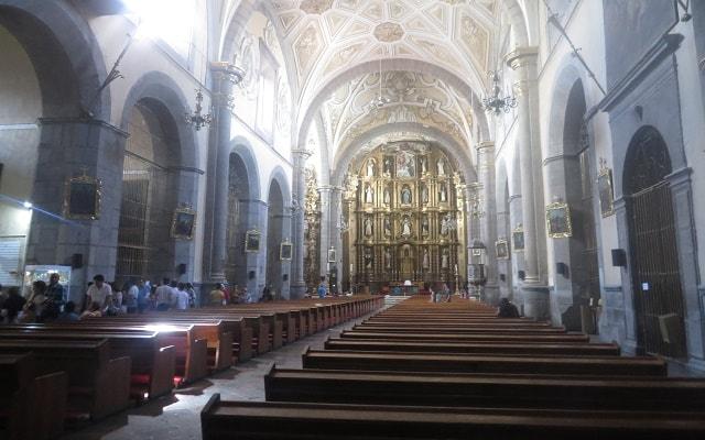 Tour a Puebla y Cholula, interior de la iglesia