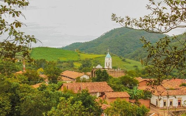 Tour a San Sebastián del Oeste, frondosa selva tropical