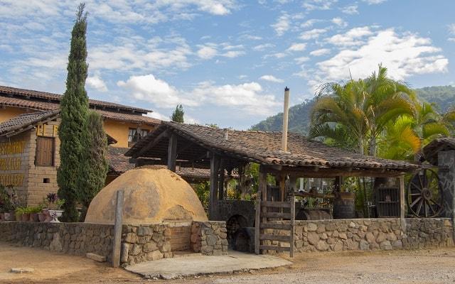 Tour a San Sebastián del Oeste, uno de los pueblos mejor conservados de México